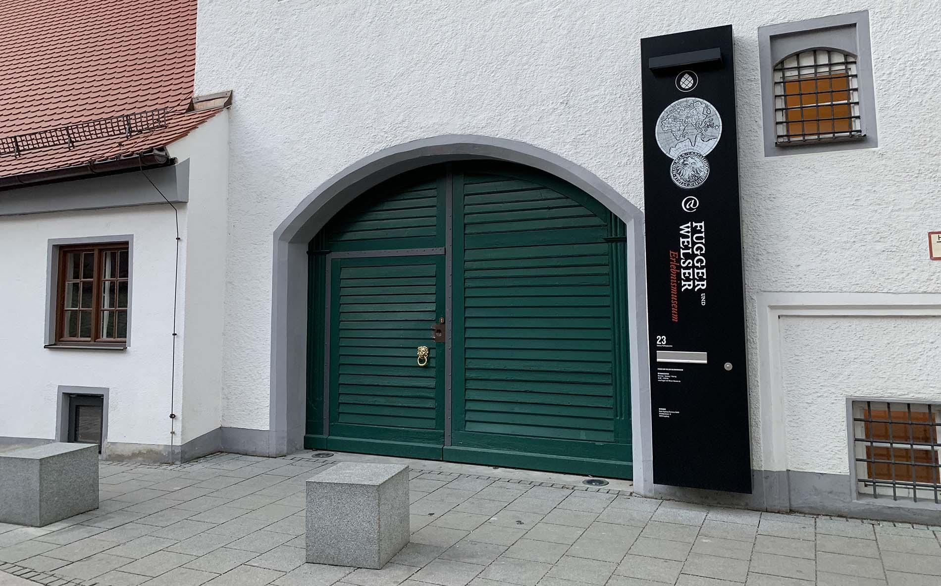 Fugger Welser Museum Wieselhaus Eingang Portal Eingangsportal Sanierung Gemeinschaftsstiftung Mein Augsburg Stiftung Fuggerstadt Foto Andreas Zilse